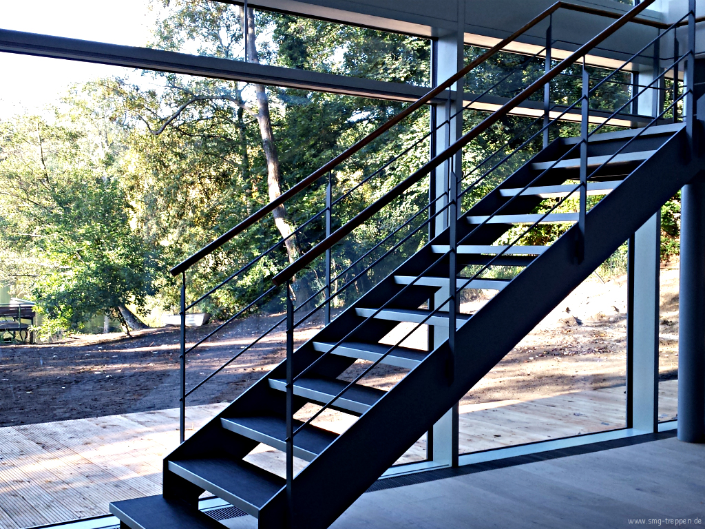 smg treppen wangentreppe wat 3200 smg treppen. Black Bedroom Furniture Sets. Home Design Ideas