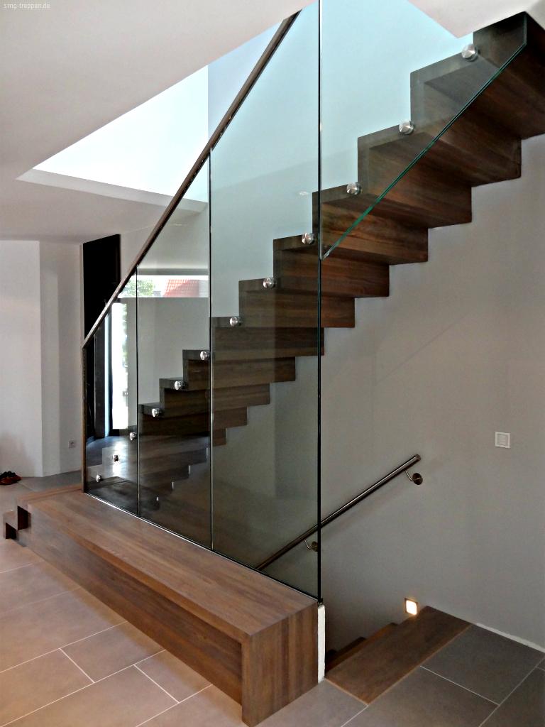 smg treppen holztreppe hot 2200 smg treppen. Black Bedroom Furniture Sets. Home Design Ideas