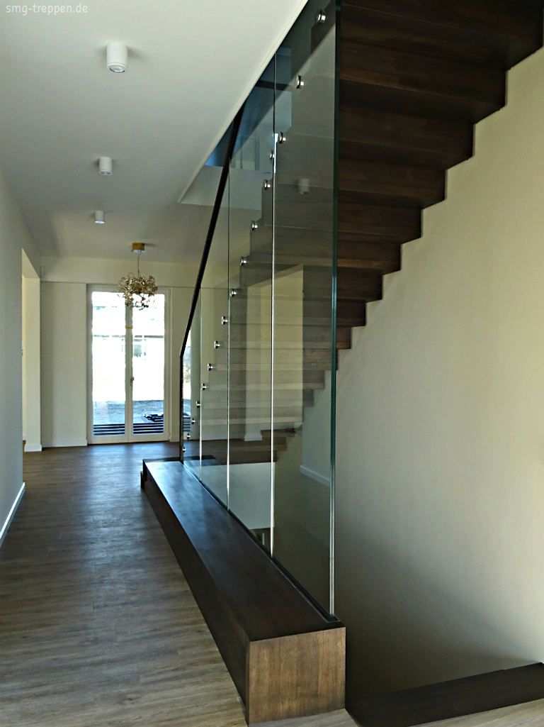 treppe halbgewendelt beton