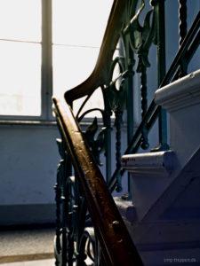 Treppenhaus mit Blick zum Hof